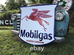 Antique Vintage Old Style 40 Mobilgas Shield Motor Oil Mobil Gas Sign