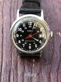 VINTAGE 1977 BRITISH TIMEX MILITARY DATE WRISTWATCH In New Old Stock
