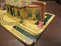 VINTAGE ANTIQUE OLD 1930s MARX TOYS O GAUGE GRAND CENTRAL TRAIN STATION TIN TOY