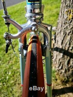 Vélo de course vintage cadre Columbus Italien campagnolo old bike