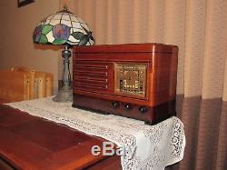 Vintage old wood antique tube radio Emerson model DP 332 Stunning piece here