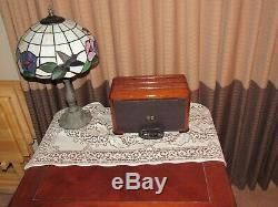 Vintage old wood antique tube radio ZENITH Mdl 6-S-525 Stunning Radio Here
