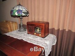 Vintage old wood antique tube radio ZENITH model 6D525 The Toaster