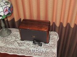 Vintage old wood antique tube radio ZENITH model 6D525 The Toaster