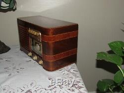 Vintage old wood antique tube radio ZENITH model 6S527 Super nice